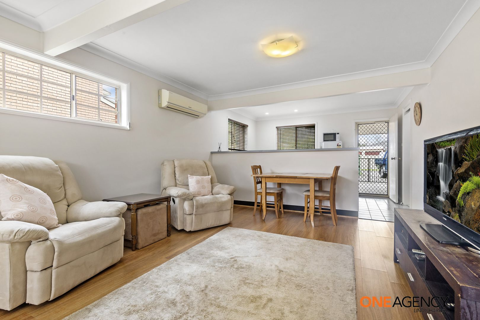 6/2-4 Simpson  Terrace, Singleton NSW 2330, Image 2