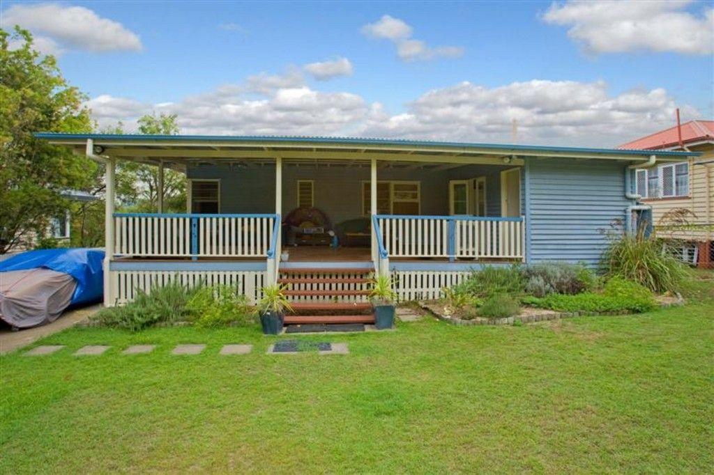 16 Rowton Street, Holland Park QLD 4121, Image 0