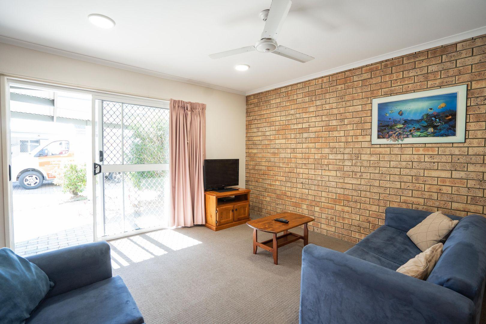 8/99 Cypress Street, Torquay QLD 4655, Image 2