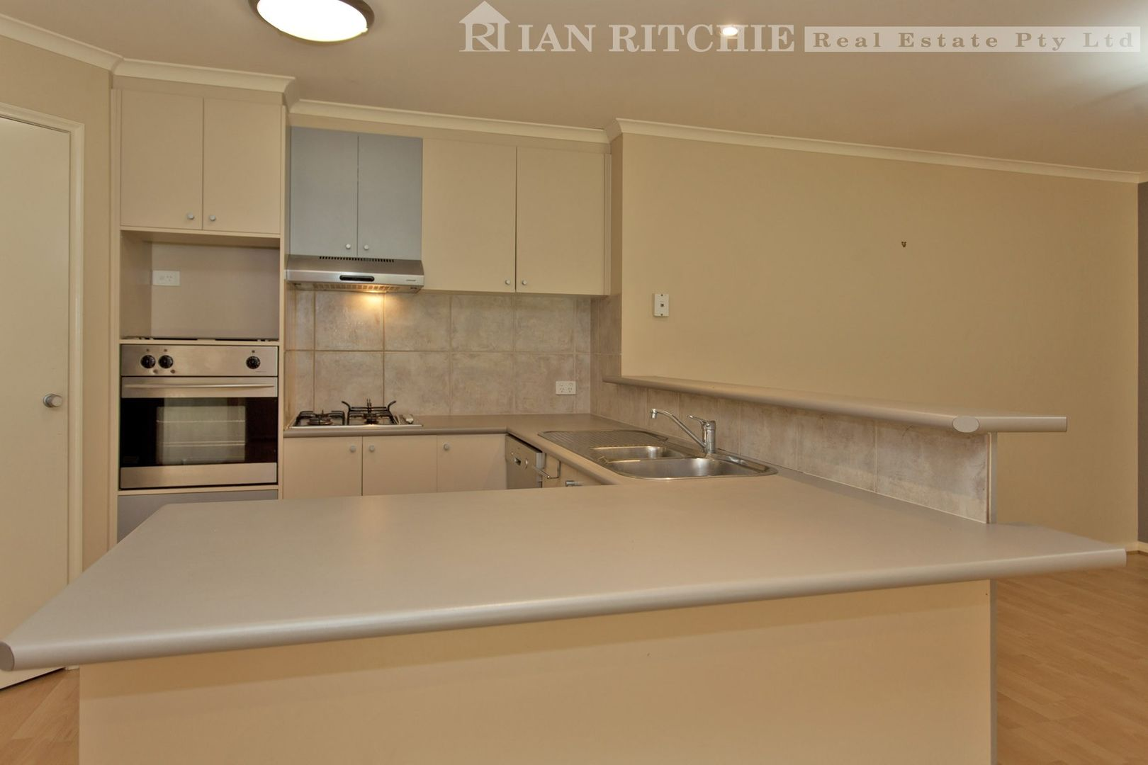 19 Adams Court, Thurgoona NSW 2640, Image 2