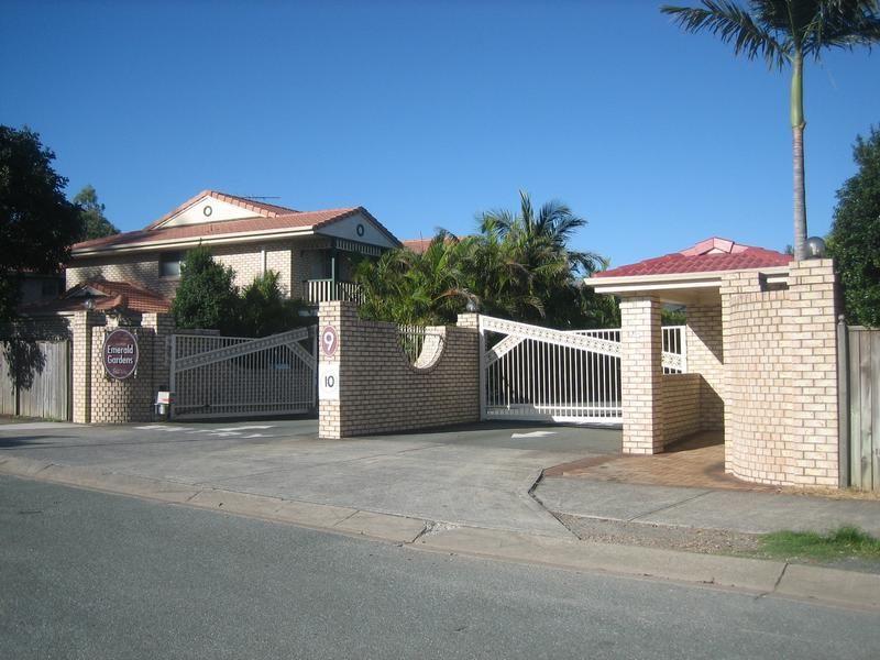 9 Lawrence Close, Robertson QLD 4109, Image 0