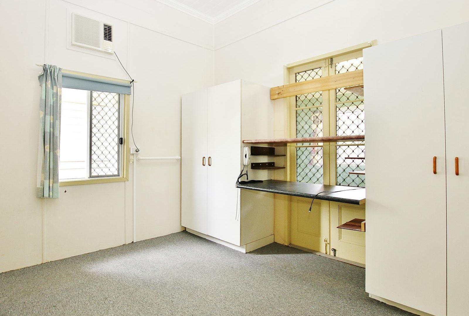 38 Burnett Street, Berserker QLD 4701, Image 2