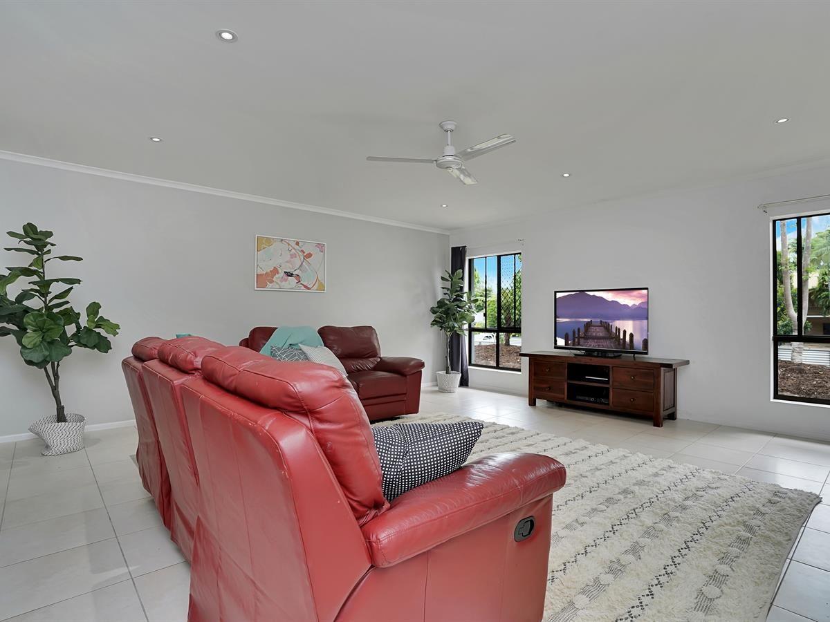 13-15 Nicholas Street, Clifton Beach QLD 4879, Image 2