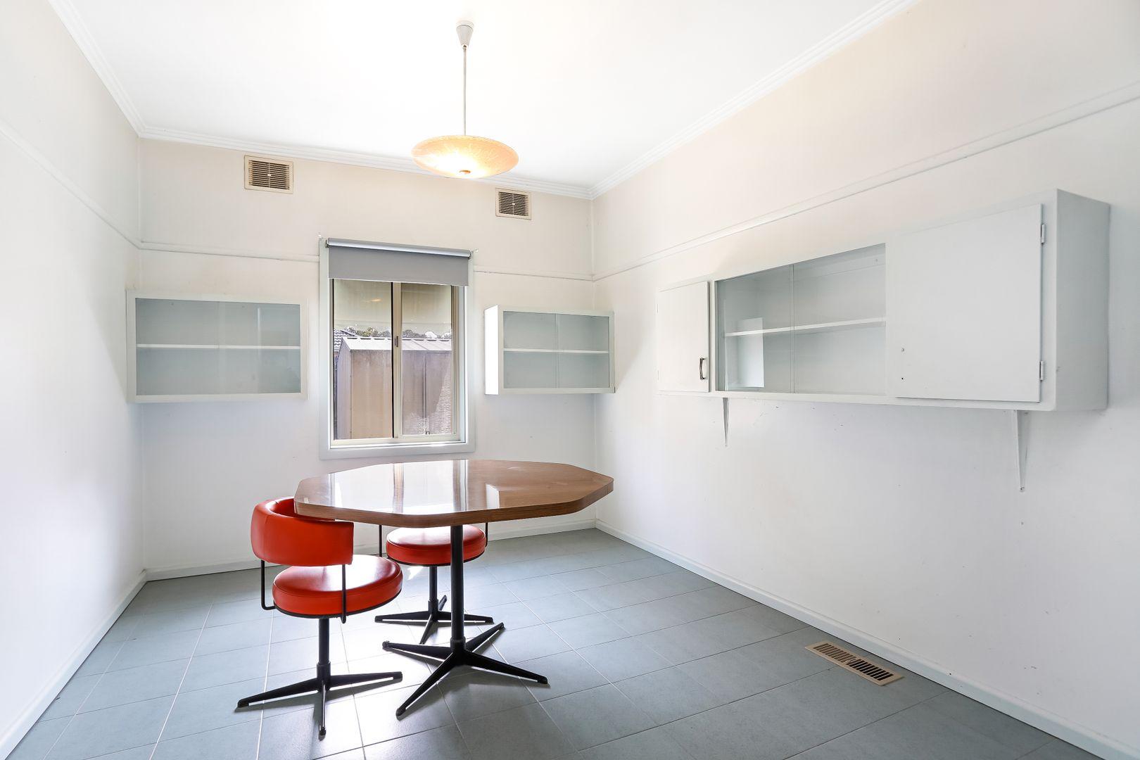 12 Melbourne Avenue, Glenroy VIC 3046, Image 2