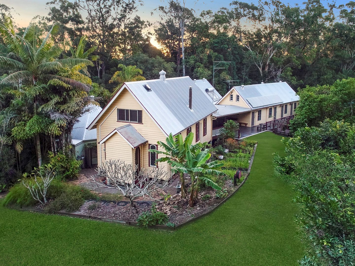 198 Barrs Road, Glass House Mountains QLD 4518, Image 0