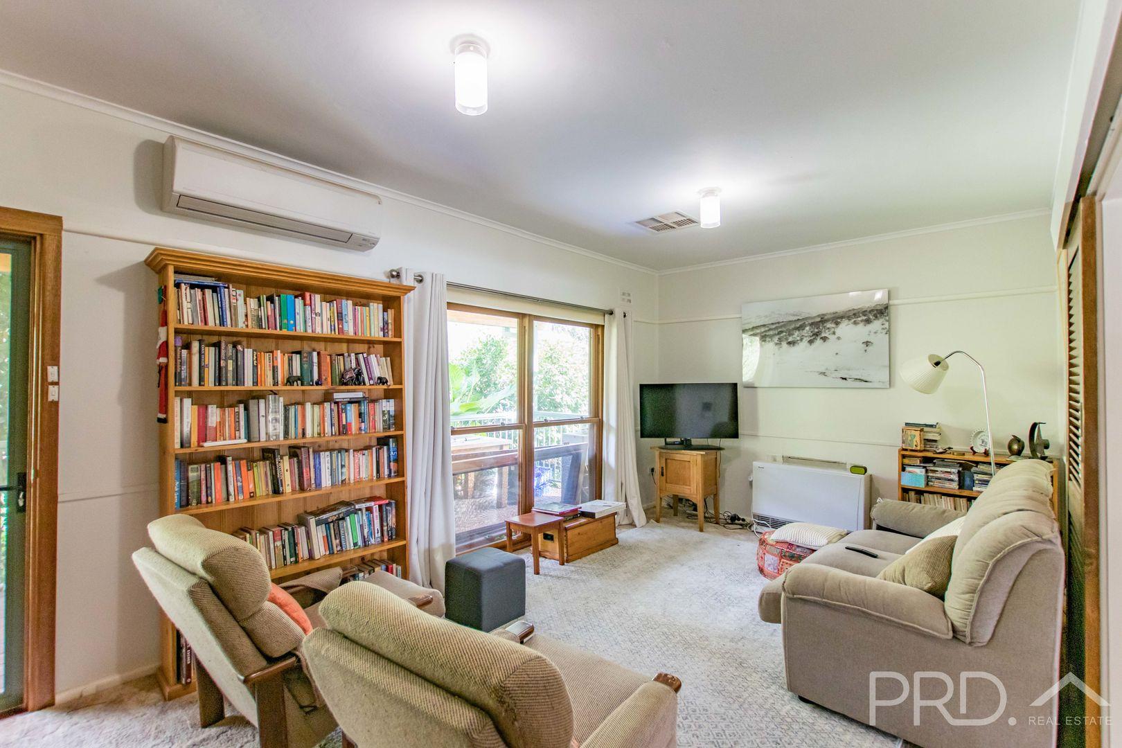 2 Pether Street, Talbingo NSW 2720, Image 2