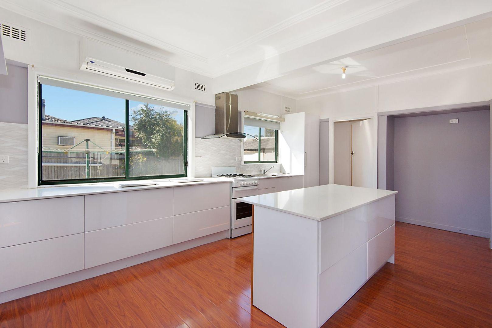 11 Portia Road, Toongabbie NSW 2146, Image 1