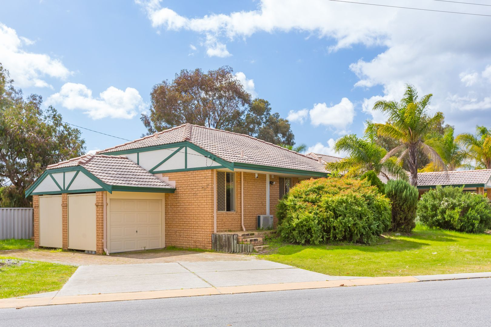 1/11 Stott Close, Armadale WA 6112, Image 0