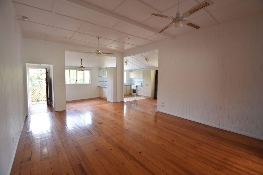 21 Arundell Avenue, Nambour QLD 4560, Image 2