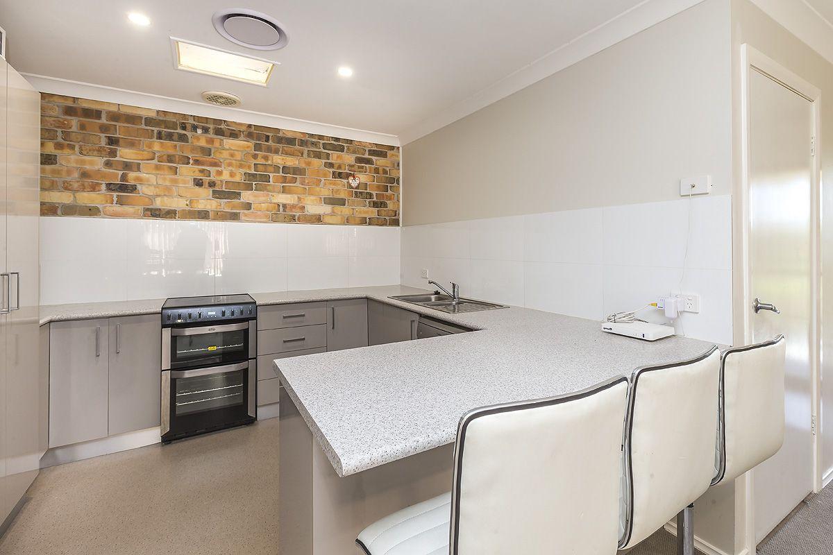1/27 Honeyeater Place, Tingira Heights NSW 2290, Image 1
