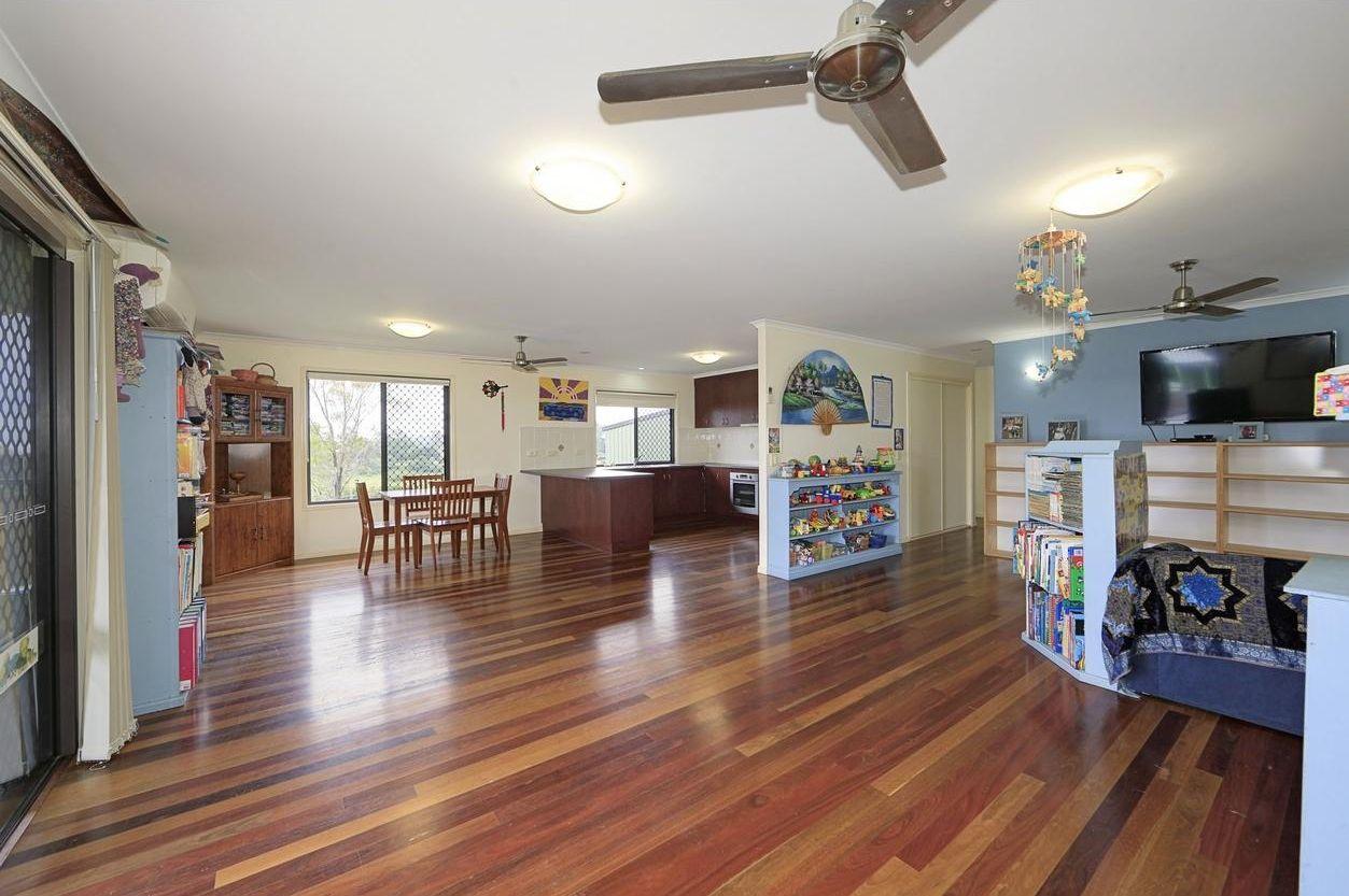 16 Forgan Terrace, Tiaro QLD 4650, Image 2