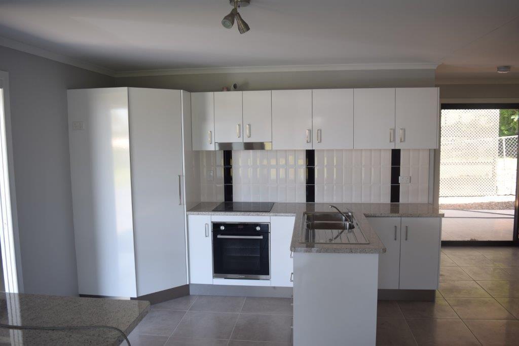 1/41 Porter Street, Gayndah QLD 4625, Image 2