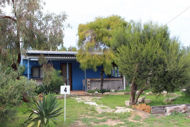 Picture of 4 Battersby Road, GREEN HEAD WA 6514