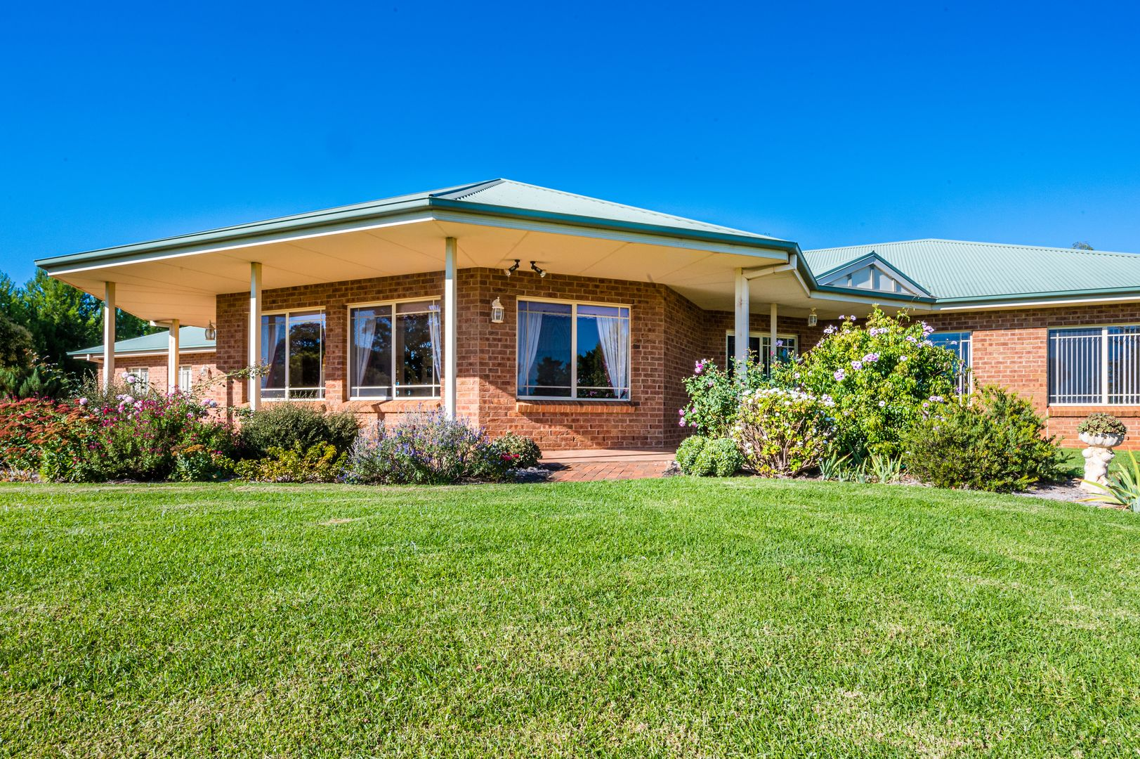 7 Candice Place, Lake Wyangan NSW 2680, Image 1