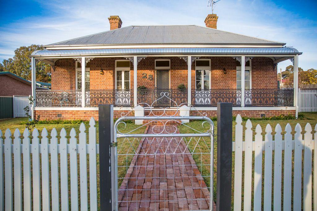 28 Dry Street, Boorowa NSW 2586, Image 0