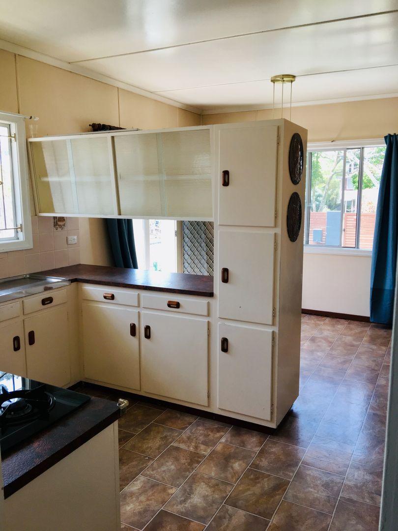 12 Miawela Street, Seven Hills QLD 4170, Image 1