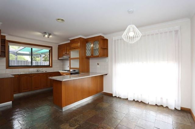 1/5 South  Terrace, Avondale Heights VIC 3034, Image 2