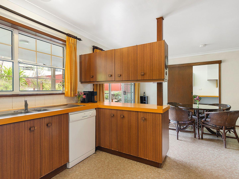 7 Tallowwood Avenue, Lugarno NSW 2210, Image 1