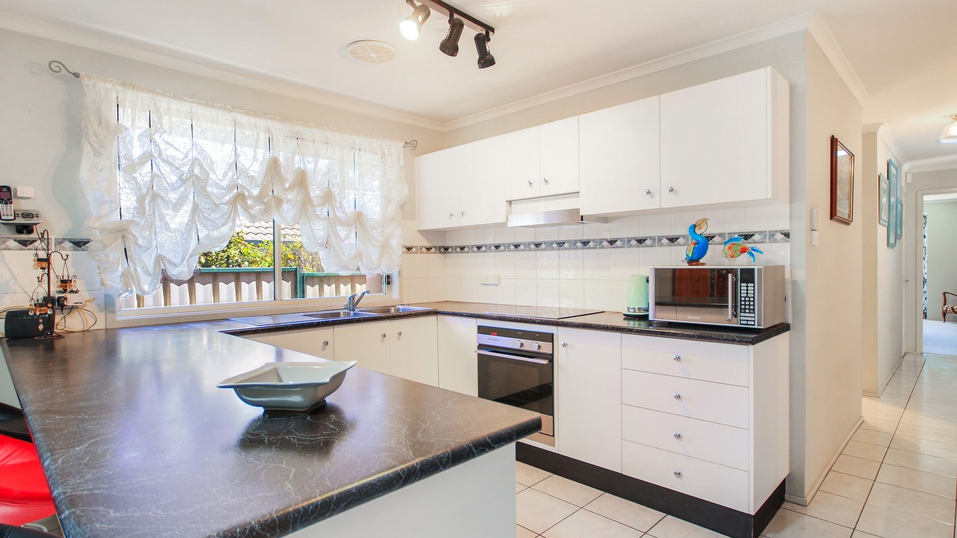 6 Claylands Drive, St Georges Basin NSW 2540, Image 2