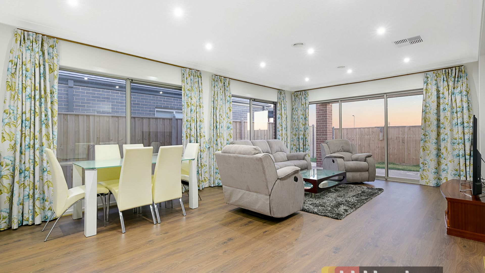 46 Fenway Boulevard, Clyde North VIC 3978, Image 2