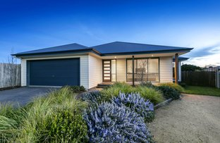 Picture of 2 Maple View Court, Mount Martha VIC 3934