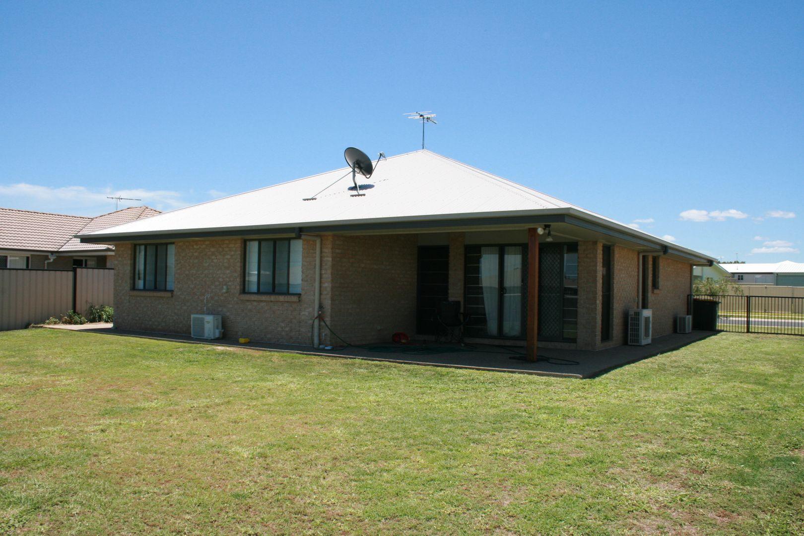 73 Mayfair Drive, Emerald QLD 4720, Image 2