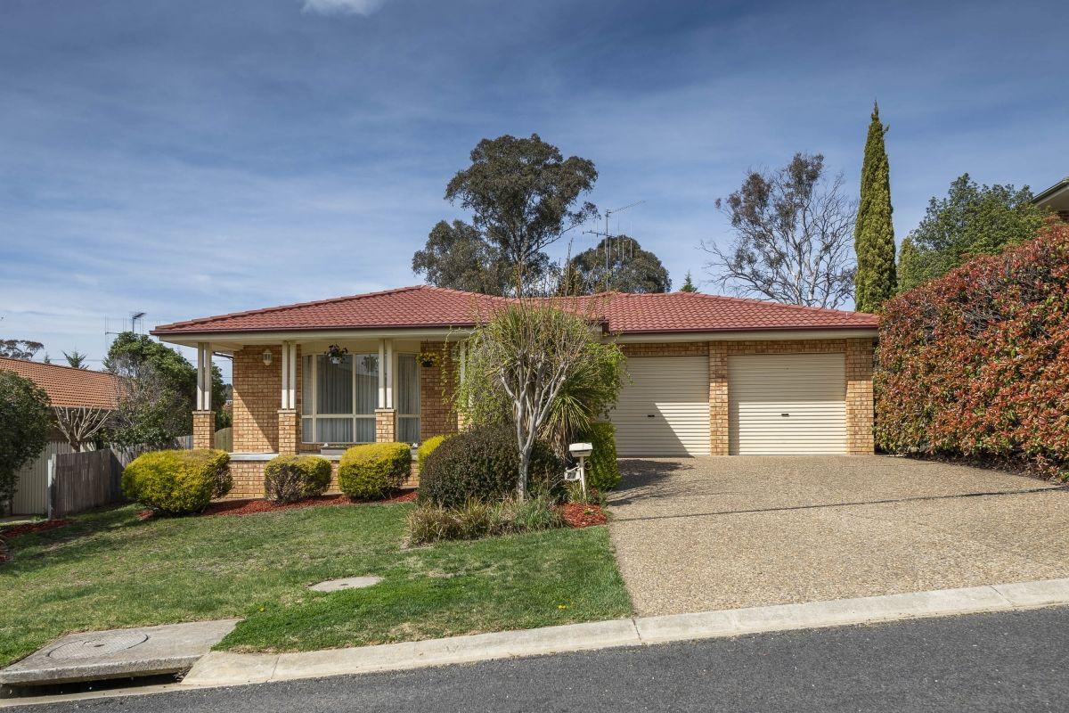 27 Nimbus Place, Karabar NSW 2620, Image 0