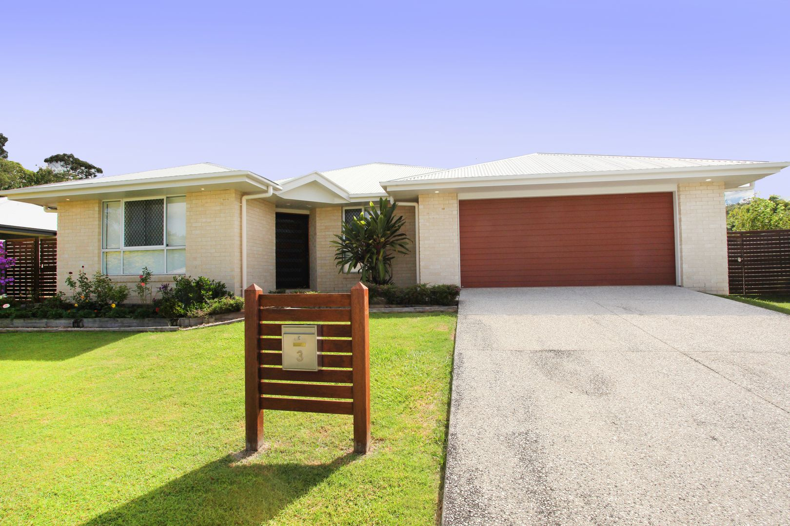 3 Griffin Place, Coes Creek QLD 4560, Image 2