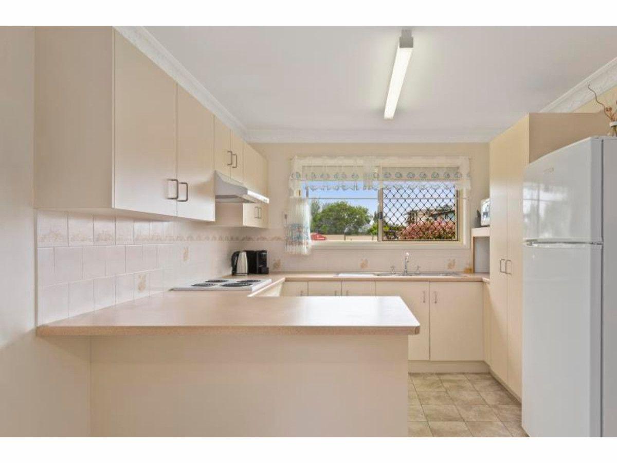 77 Leamington Street, Berserker QLD 4701, Image 2
