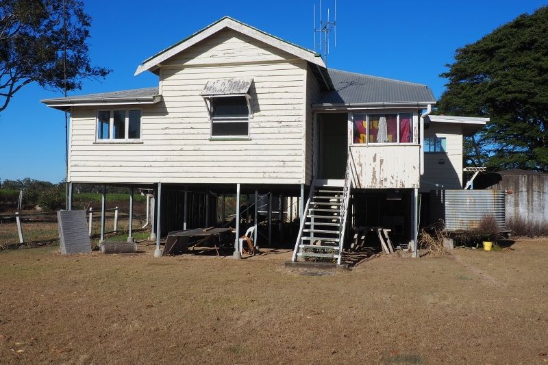 82 Nickols Road, Walkers Point QLD 4650, Image 2