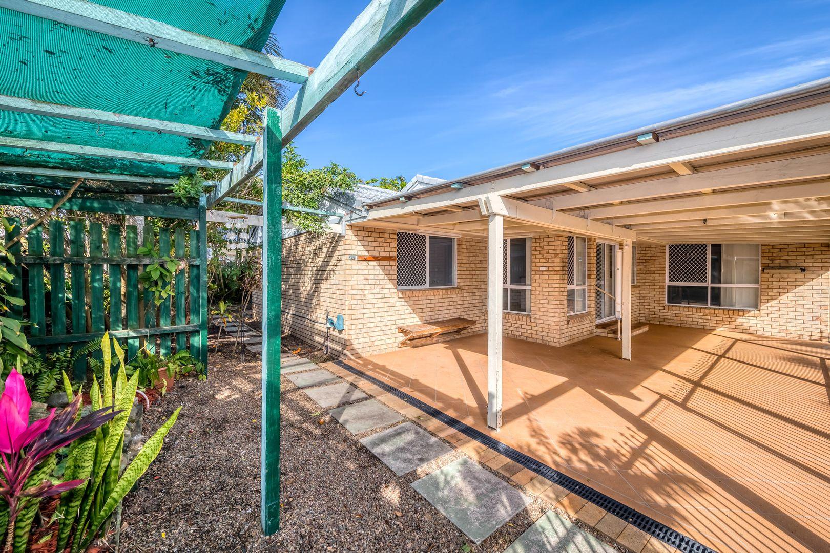 9 Fathom Court, Banksia Beach QLD 4507, Image 2