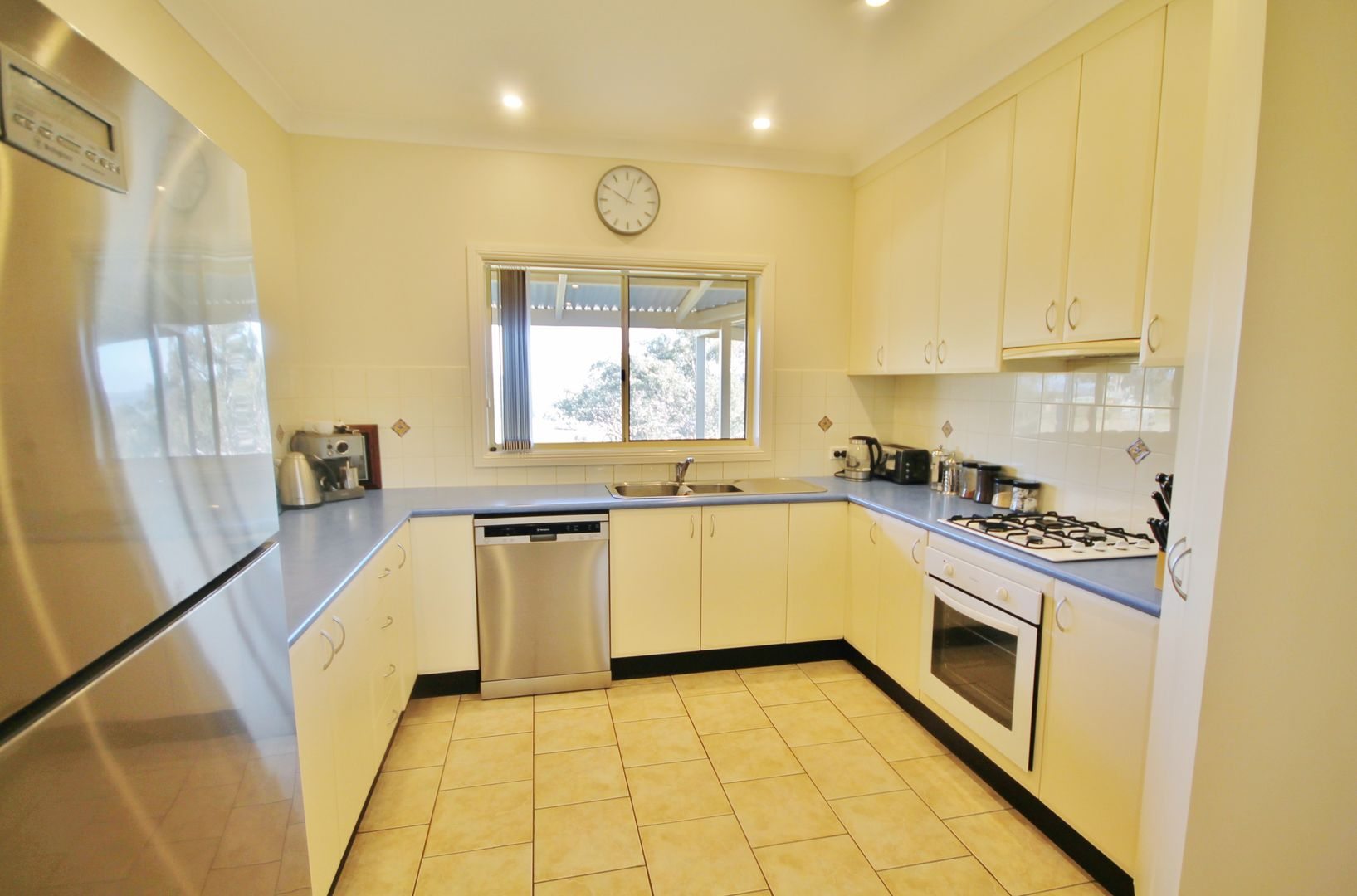 39 Burrows Road, Young NSW 2594, Image 1