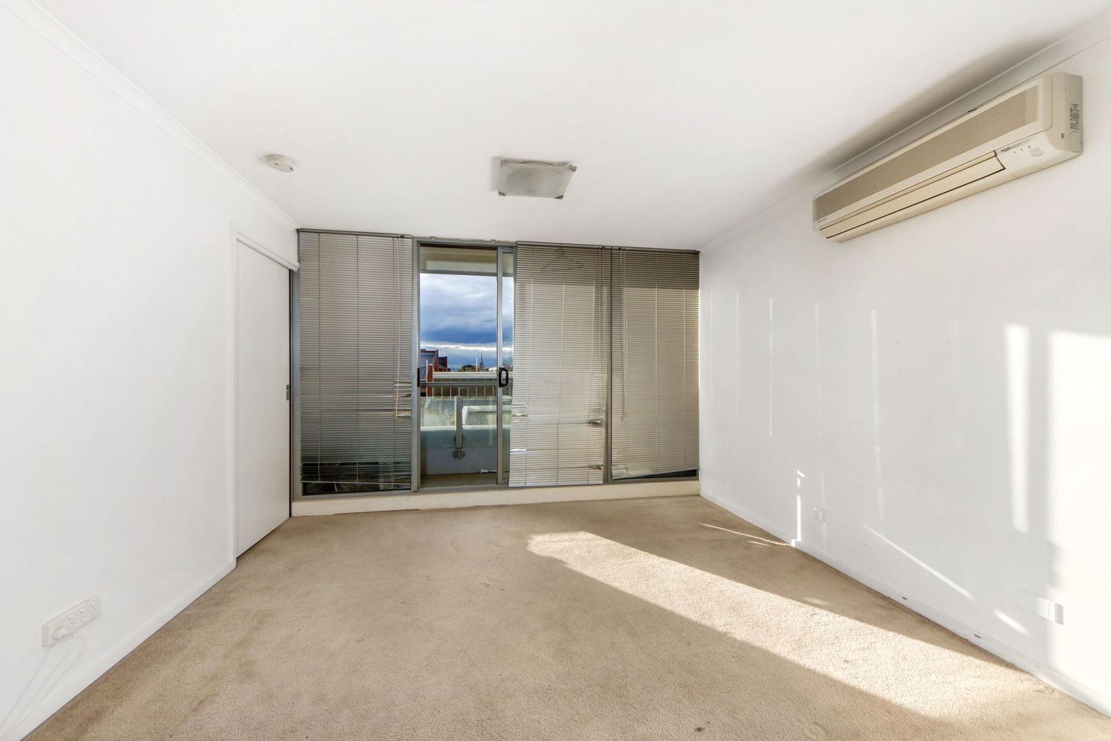 213/118 Dudley Street, West Melbourne VIC 3003, Image 2