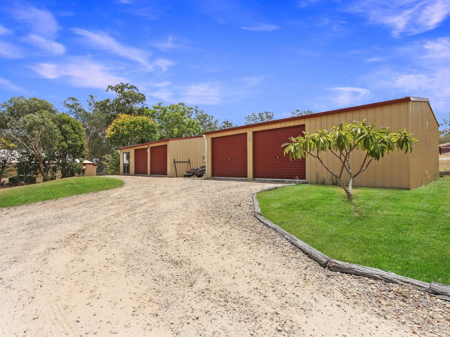 5 Natalie Court, Regency Downs QLD 4341, Image 2
