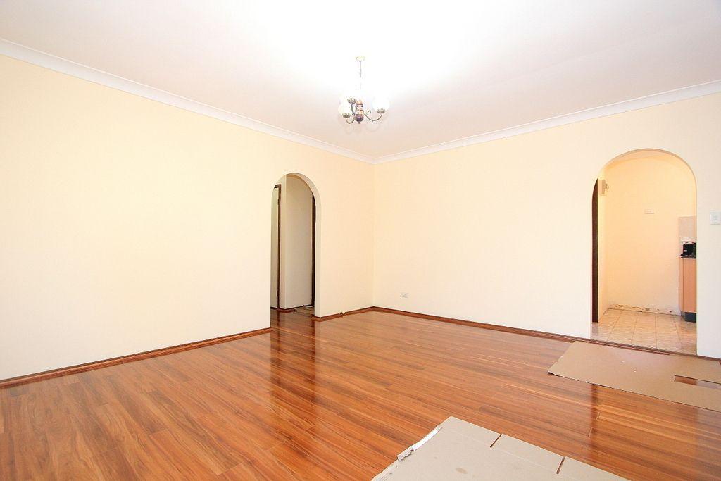 2/32 Clevedon Road, Hurstville NSW 2220, Image 2