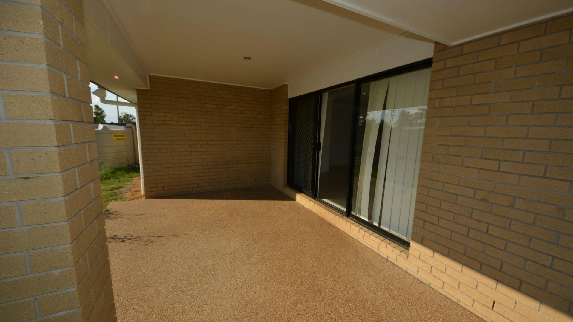 38 Govind Crescent, Gracemere QLD 4702, Image 14