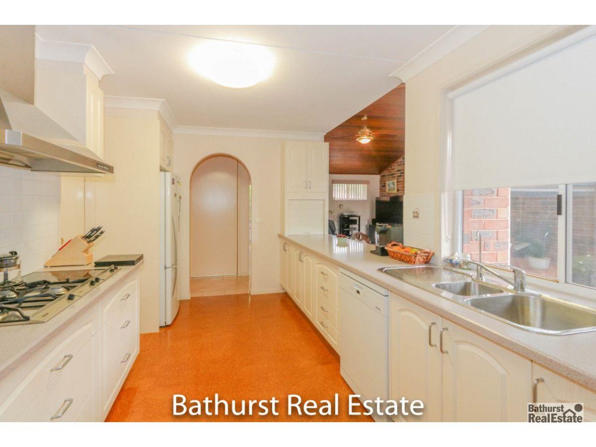 5 Thomas Close, South Bathurst NSW 2795, Image 2