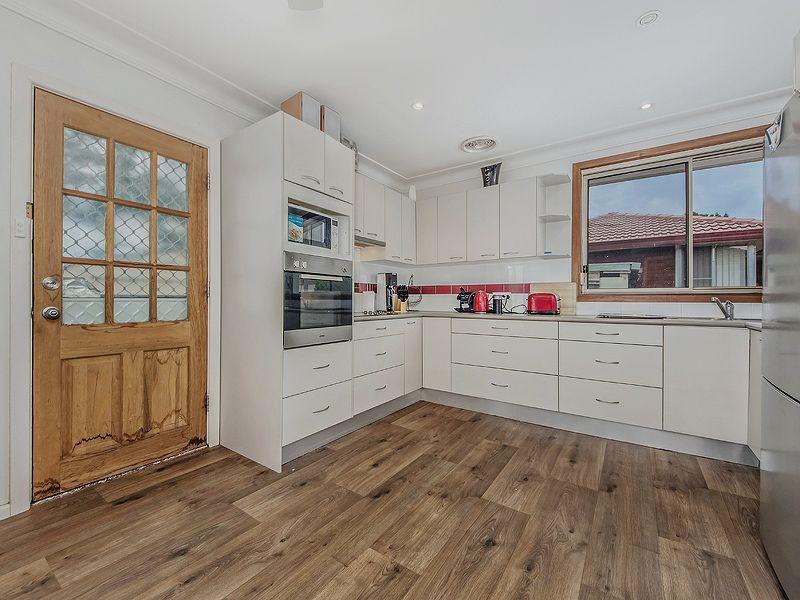 12 Loddon Crescent, Campbelltown NSW 2560, Image 2