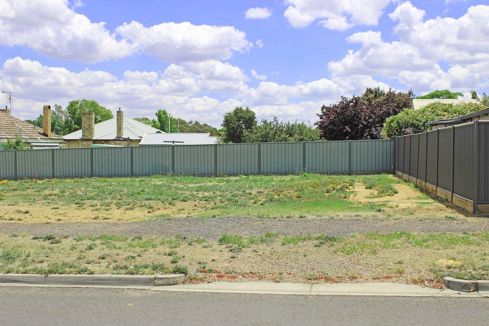 4 Symes Street, Kangaroo Flat VIC 3555, Image 1