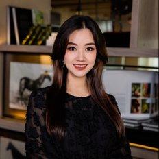 (Cecilia) Quynh Dung Duong, Sales representative