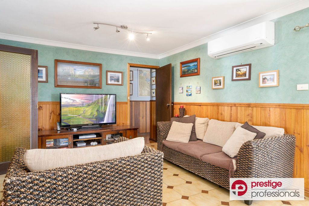 21 Thompson Avenue, Moorebank NSW 2170, Image 2