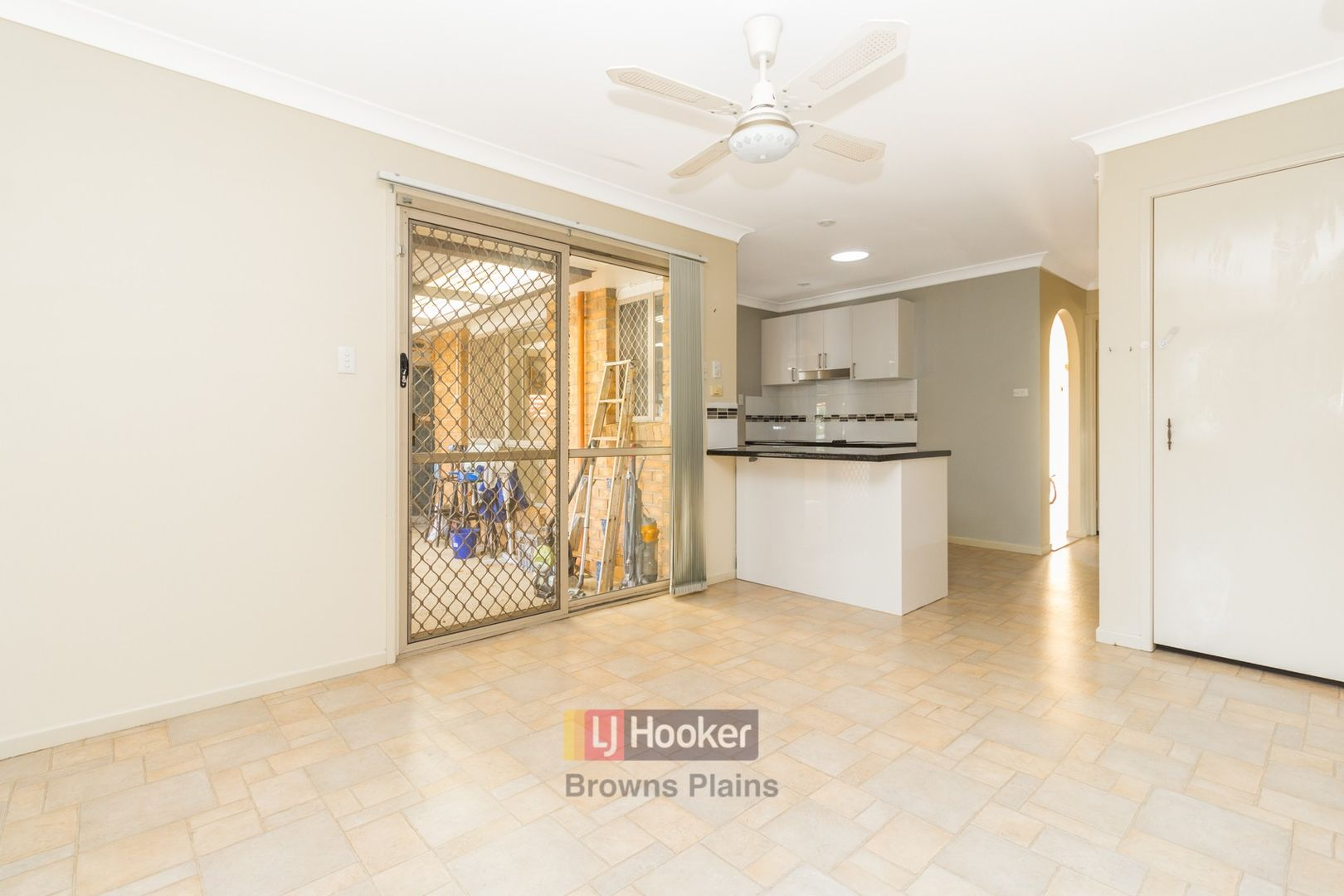 43 Erin Drive, Browns Plains QLD 4118, Image 2