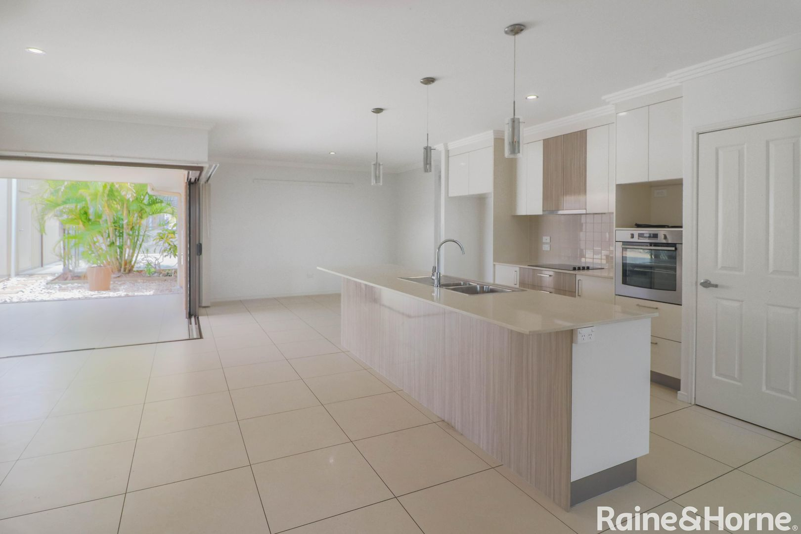 30 Picadilly Cct, Urraween QLD 4655, Image 1