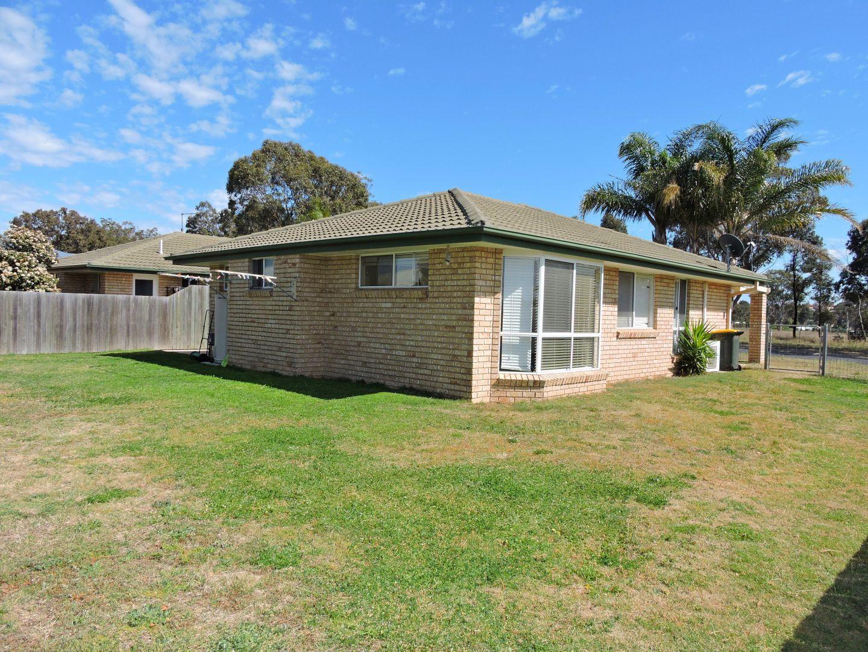 12 Flitcroft St, Warwick QLD 4370, Image 2