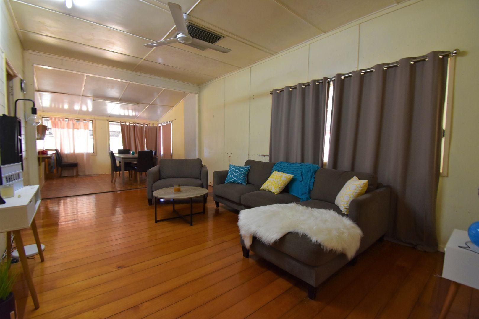 112 Crane Street, Longreach QLD 4730, Image 1