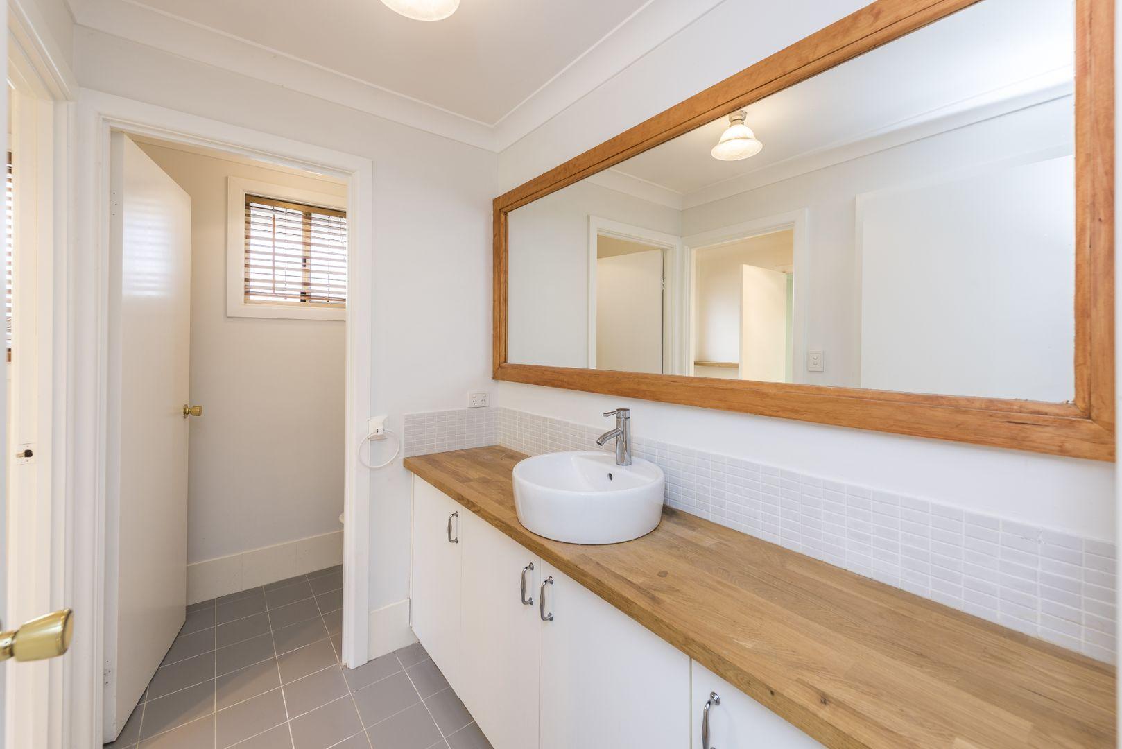 8 Wyatt Street, Moss Vale NSW 2577, Image 2