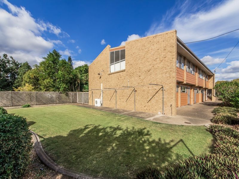 18 Railway Street, Booval QLD 4304, Image 1