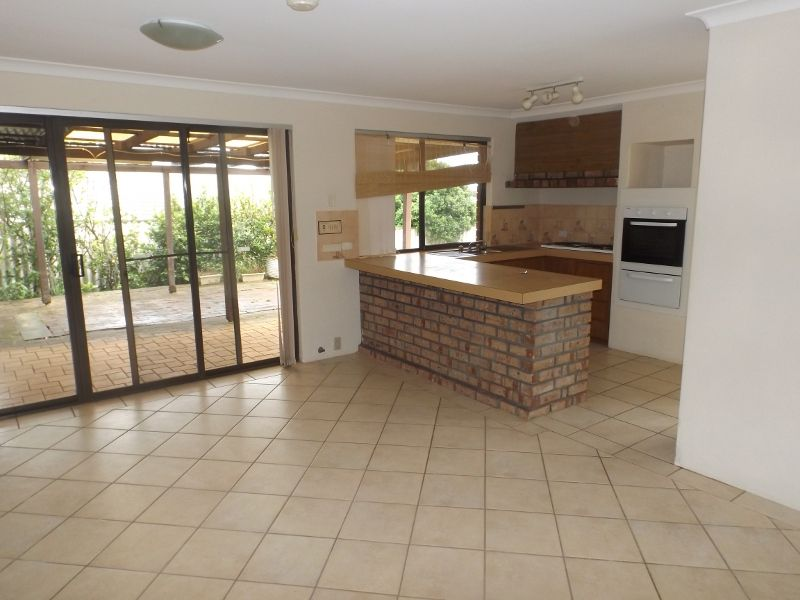 Stirling Cl, Swan View WA 6056, Image 1