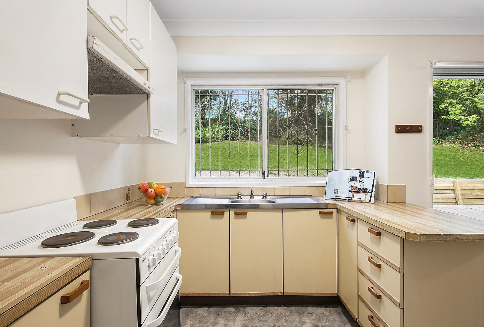 35 Taylor Avenue, Wentworth Falls NSW 2782, Image 1
