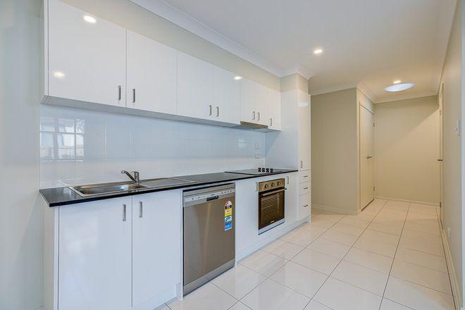 Picture of 2/13 Seaford Street, PIMPAMA QLD 4209